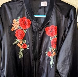 😍❤️Rose embroidered bomber jacket 2-3xl